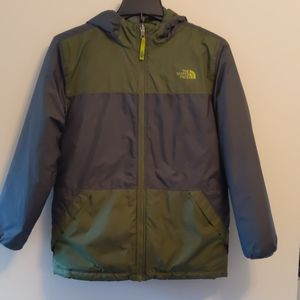 Boy's L (14/16) North Face Reversible Jacket